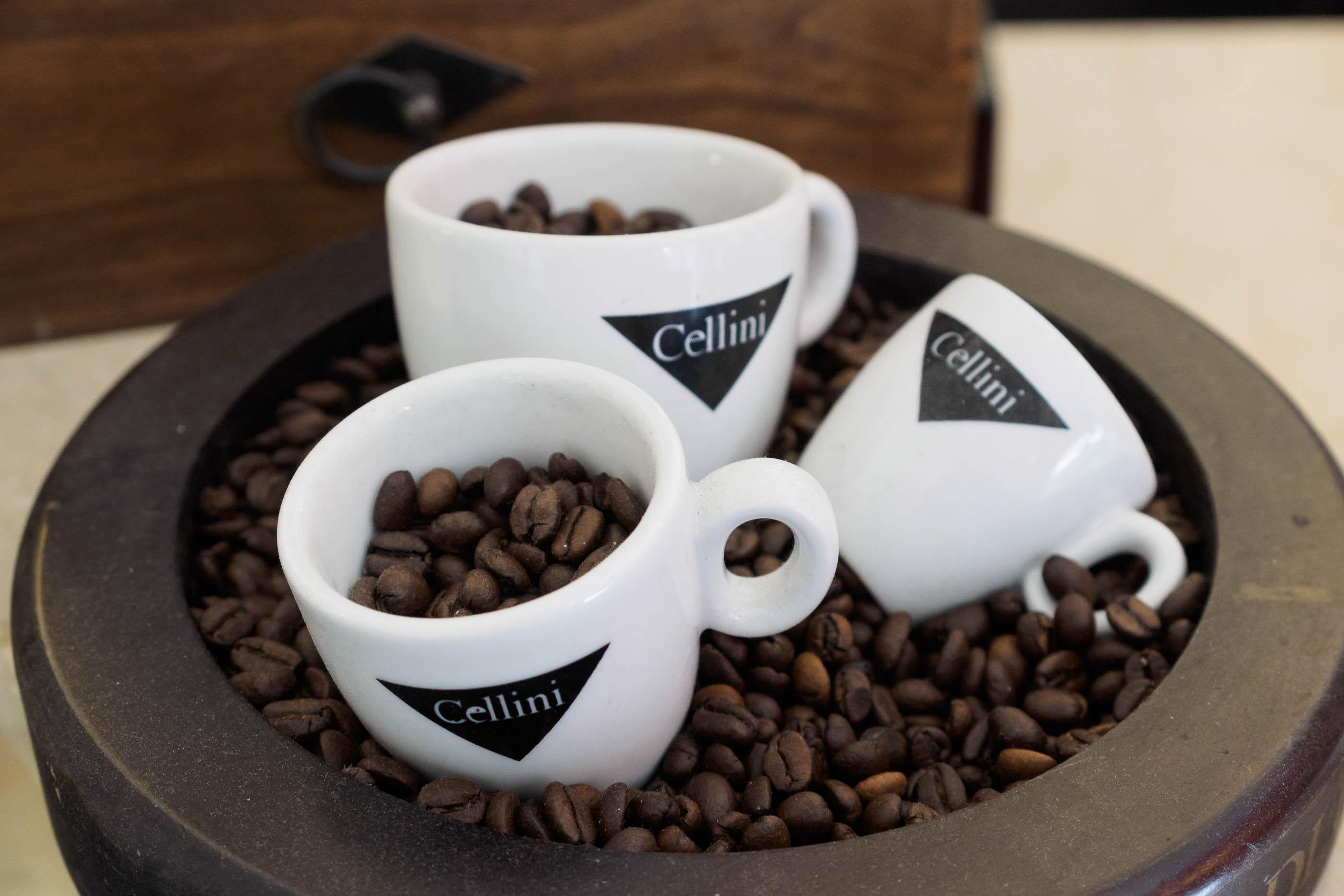 der genuss von kaffee im besten alter senioren haben mehr vom leben. Black Bedroom Furniture Sets. Home Design Ideas